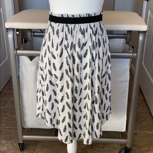 Feather print boho midi skirt